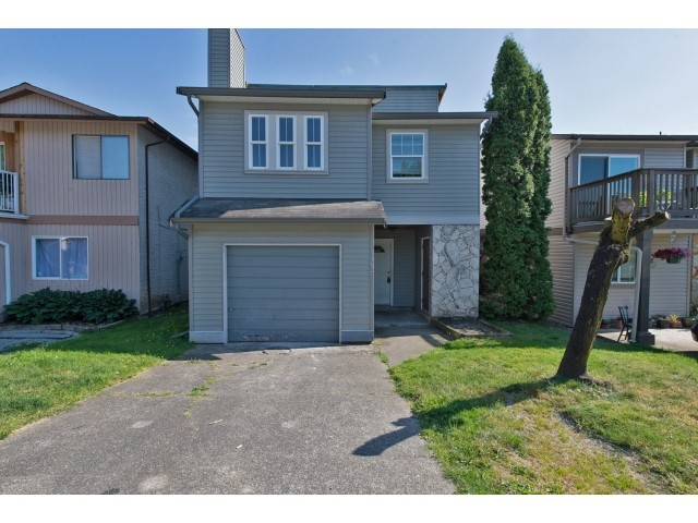 "Main Photo: 122 SPRINGFIELD Drive in Langley: Aldergrove Langley House for sale in ""SPRINGFIELD"" : MLS(r) # F1441638"