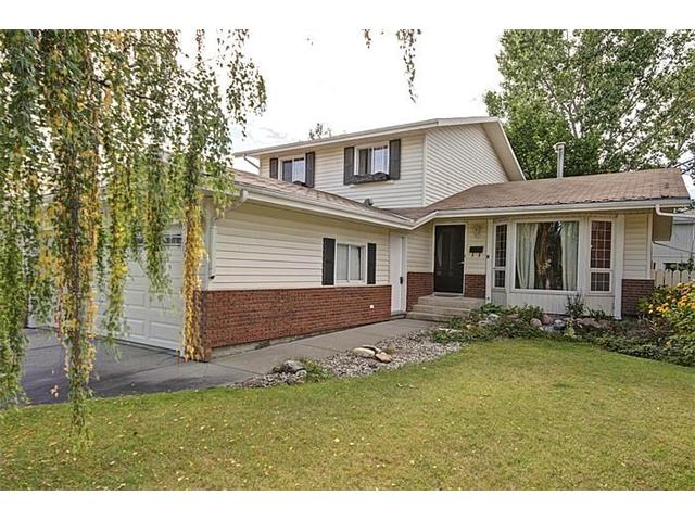 Main Photo: 307 Woodside Place: Okotoks House for sale : MLS® # C4031136