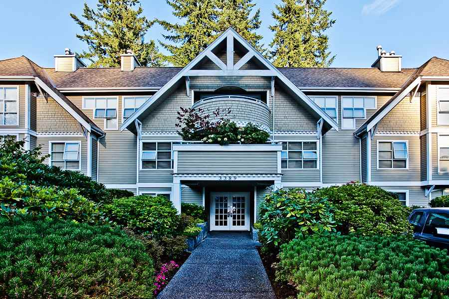 "Main Photo: 204 3389 CAPILANO Crescent in North Vancouver: Capilano NV Condo for sale in ""Capilano Estates"" : MLS® # R2036785"