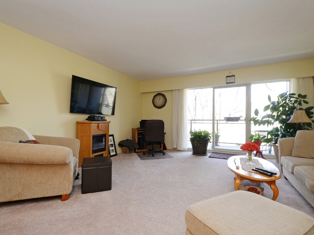 Photo 14: 202 1419 Stadacona Avenue in VICTORIA: Vi Fernwood Condo Apartment for sale (Victoria)  : MLS(r) # 362605