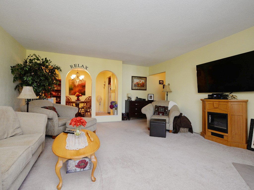 Photo 16: 202 1419 Stadacona Avenue in VICTORIA: Vi Fernwood Condo Apartment for sale (Victoria)  : MLS(r) # 362605