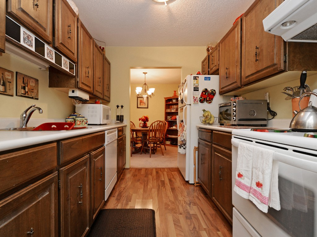 Photo 17: 202 1419 Stadacona Avenue in VICTORIA: Vi Fernwood Condo Apartment for sale (Victoria)  : MLS(r) # 362605