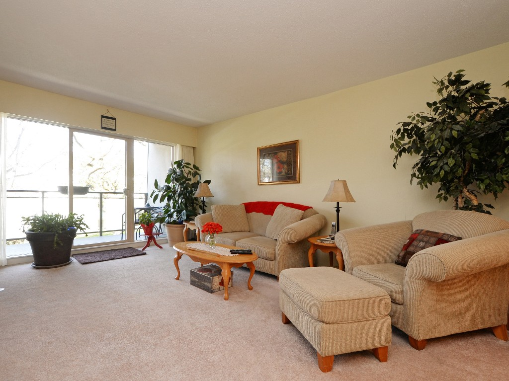 Photo 15: 202 1419 Stadacona Avenue in VICTORIA: Vi Fernwood Condo Apartment for sale (Victoria)  : MLS(r) # 362605