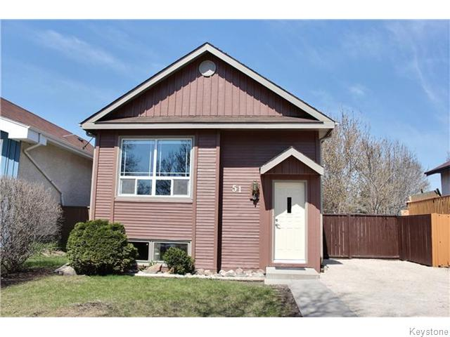 WELCOME HOME TO 51 SUNDIAL CRESCENT!