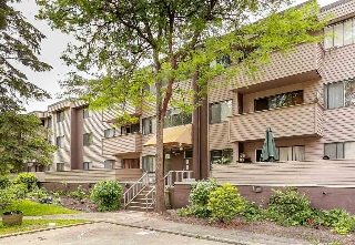 Main Photo: 2 2441 KELLY Avenue in Port Coquitlam: Central Pt Coquitlam Condo for sale : MLS® # R2064949