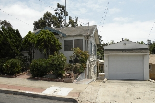 Main Photo: HILLCREST House for sale : 4 bedrooms : 1409 Brookes Ave in San Diego