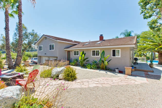 Main Photo: FALLBROOK House for sale : 3 bedrooms : 2749 E Mission