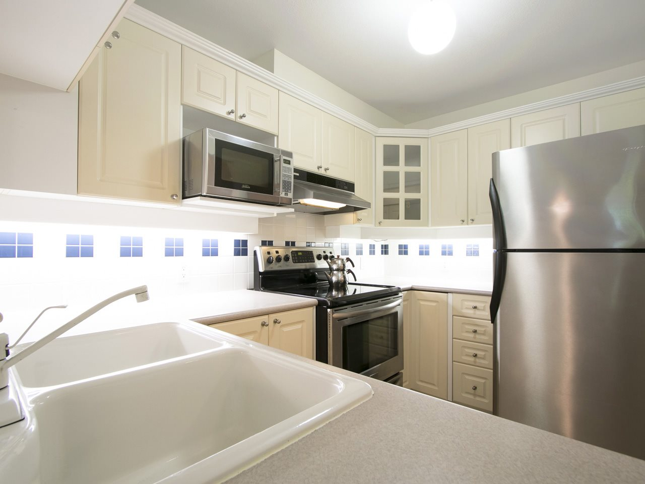 "Photo 10: 129 5500 ANDREWS Road in Richmond: Steveston South Condo for sale in ""SOUTHWATER"" : MLS(r) # R2100908"