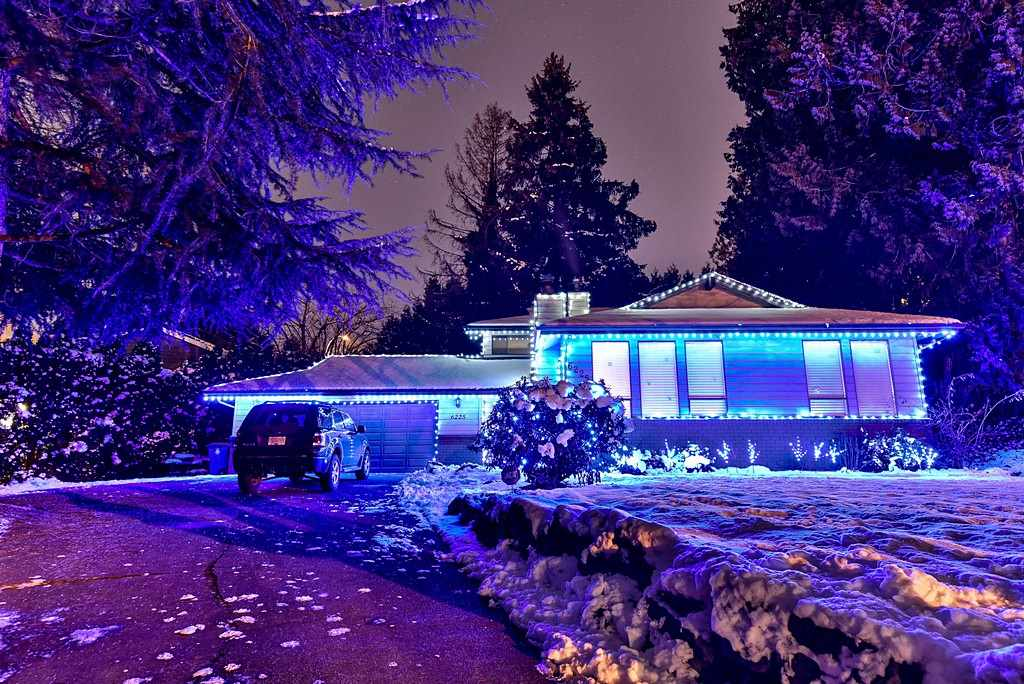 "Main Photo: 6225 152A Street in Surrey: Sullivan Station House for sale in ""Sullivan Station"" : MLS(r) # R2129416"
