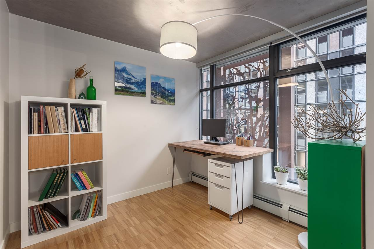 "Photo 8: 301 128 W CORDOVA Street in Vancouver: Downtown VW Condo for sale in ""WOODWARDS"" (Vancouver West)  : MLS(r) # R2131569"