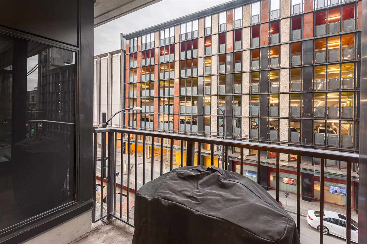 "Photo 13: 301 128 W CORDOVA Street in Vancouver: Downtown VW Condo for sale in ""WOODWARDS"" (Vancouver West)  : MLS(r) # R2131569"