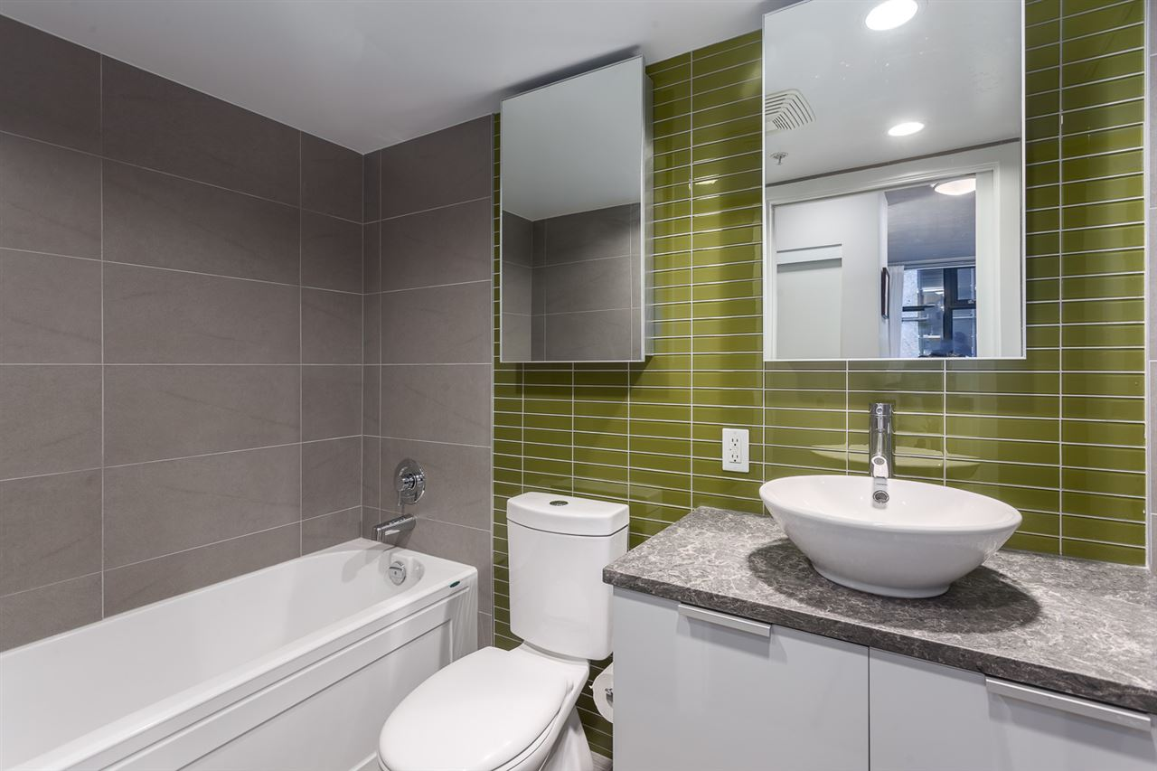 "Photo 12: 301 128 W CORDOVA Street in Vancouver: Downtown VW Condo for sale in ""WOODWARDS"" (Vancouver West)  : MLS(r) # R2131569"