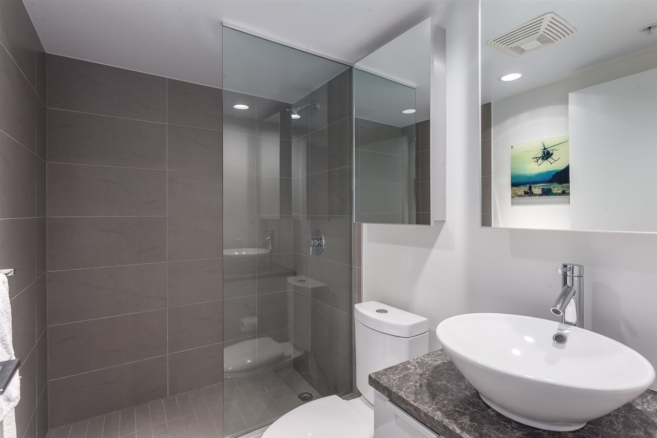 "Photo 10: 301 128 W CORDOVA Street in Vancouver: Downtown VW Condo for sale in ""WOODWARDS"" (Vancouver West)  : MLS(r) # R2131569"