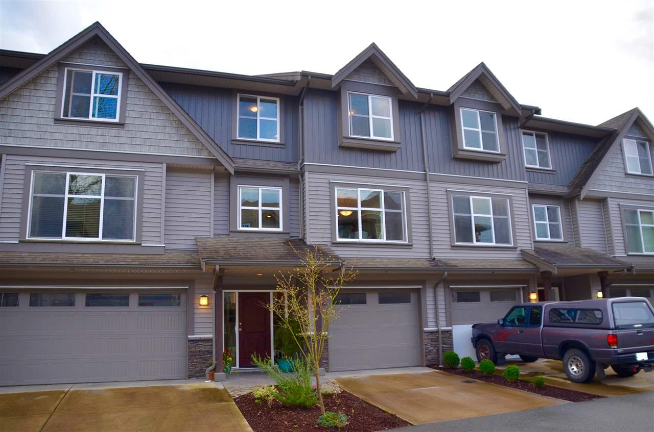 Main Photo: 36 45085 WOLFE ROAD in : Chilliwack W Young-Well Townhouse for sale : MLS®# R2041808