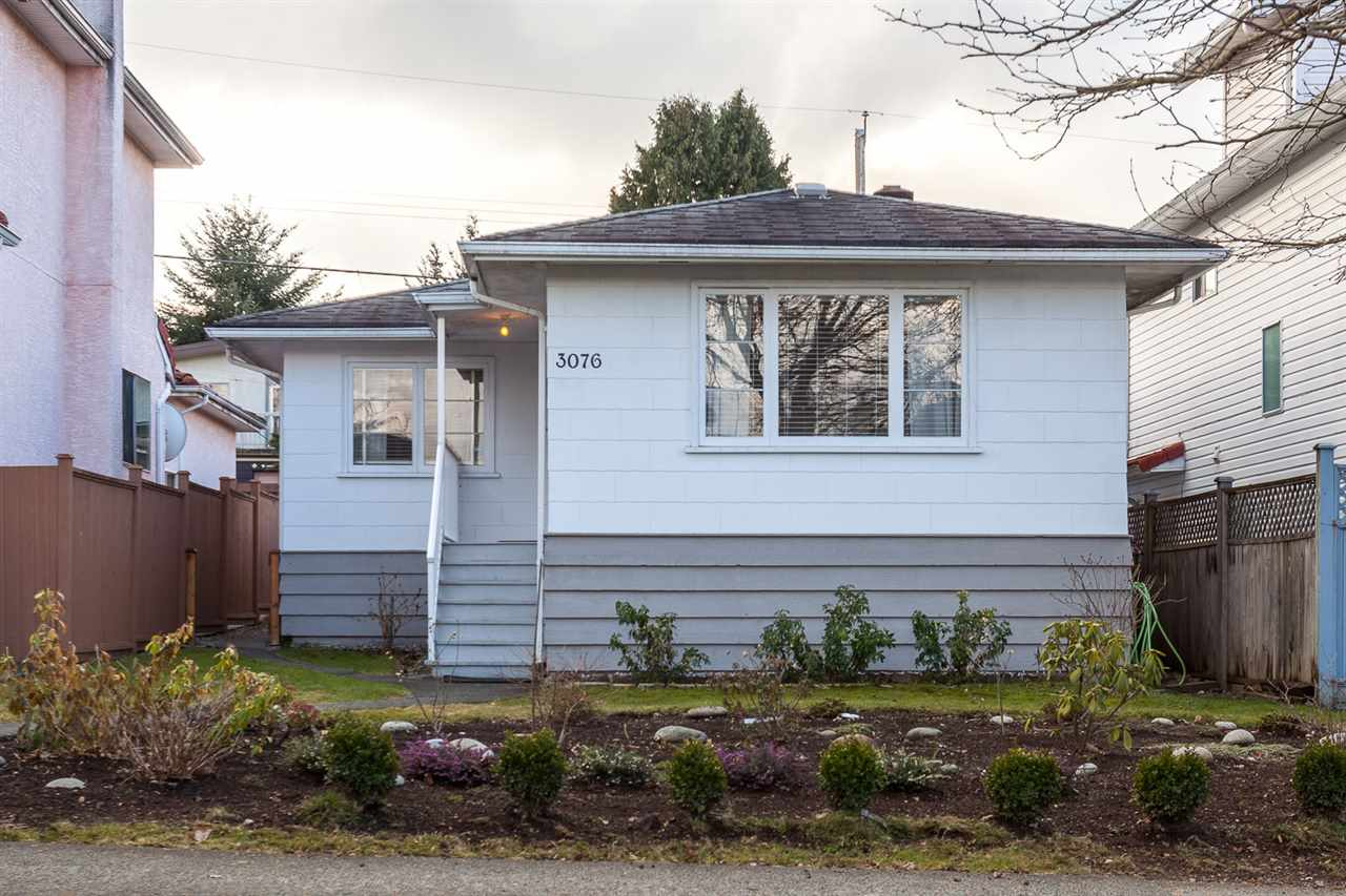 Photo 2: 3076 E 19TH Avenue in Vancouver: Renfrew Heights House for sale (Vancouver East)  : MLS® # R2141986