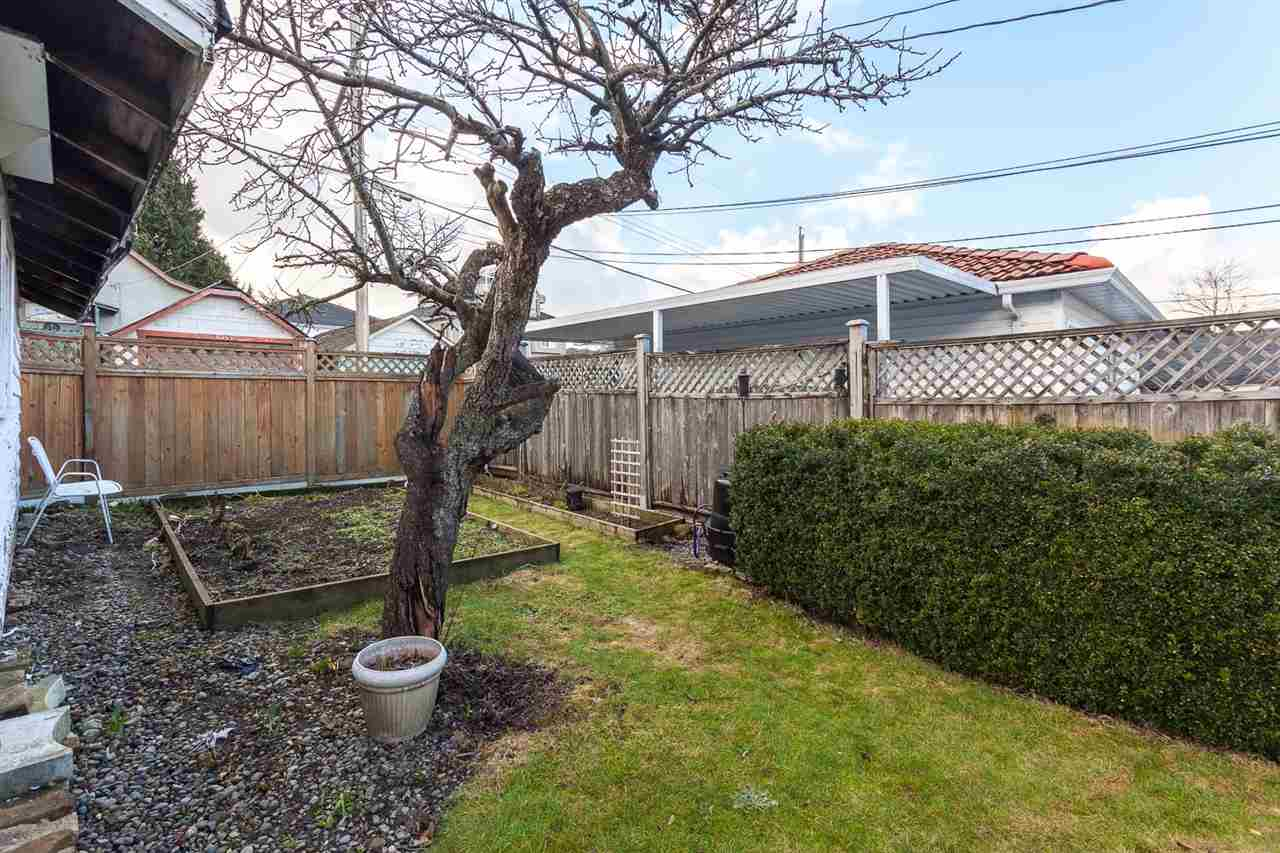 Photo 14: 3076 E 19TH Avenue in Vancouver: Renfrew Heights House for sale (Vancouver East)  : MLS® # R2141986