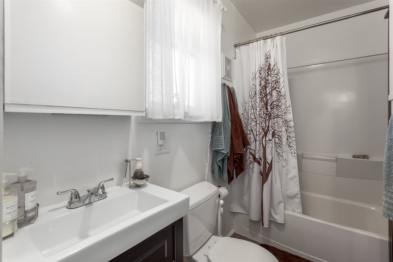 Photo 11: 3076 E 19TH Avenue in Vancouver: Renfrew Heights House for sale (Vancouver East)  : MLS® # R2141986