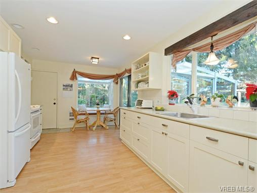 Photo 10: 4764 Cardsview Terrace in VICTORIA: Me Kangaroo Single Family Detached for sale (Metchosin)  : MLS® # 374911