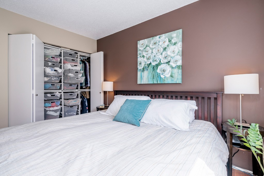 "Photo 15: Photos: 213 2150 BRUNSWICK Street in Vancouver: Mount Pleasant VE Condo for sale in ""MT PLEASANT PLACE"" (Vancouver East)  : MLS®# R2161817"