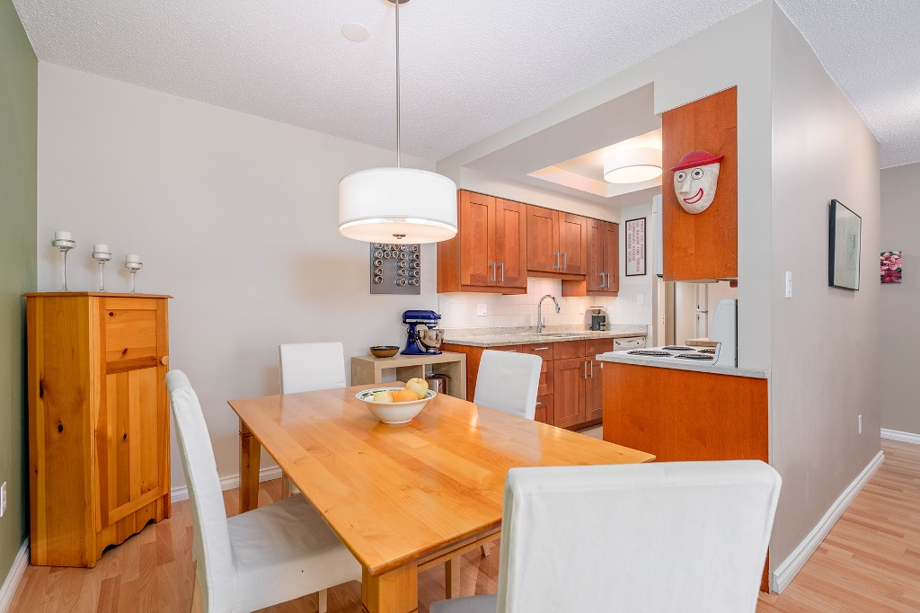 "Photo 9: Photos: 213 2150 BRUNSWICK Street in Vancouver: Mount Pleasant VE Condo for sale in ""MT PLEASANT PLACE"" (Vancouver East)  : MLS®# R2161817"