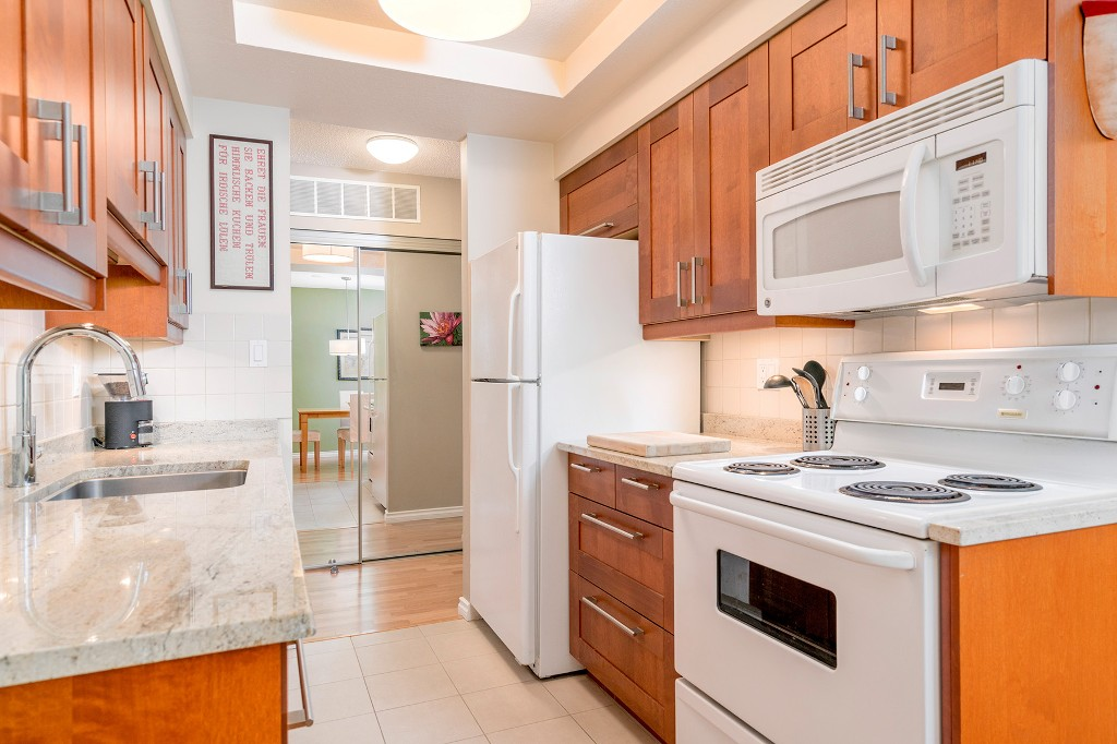"Photo 11: Photos: 213 2150 BRUNSWICK Street in Vancouver: Mount Pleasant VE Condo for sale in ""MT PLEASANT PLACE"" (Vancouver East)  : MLS®# R2161817"