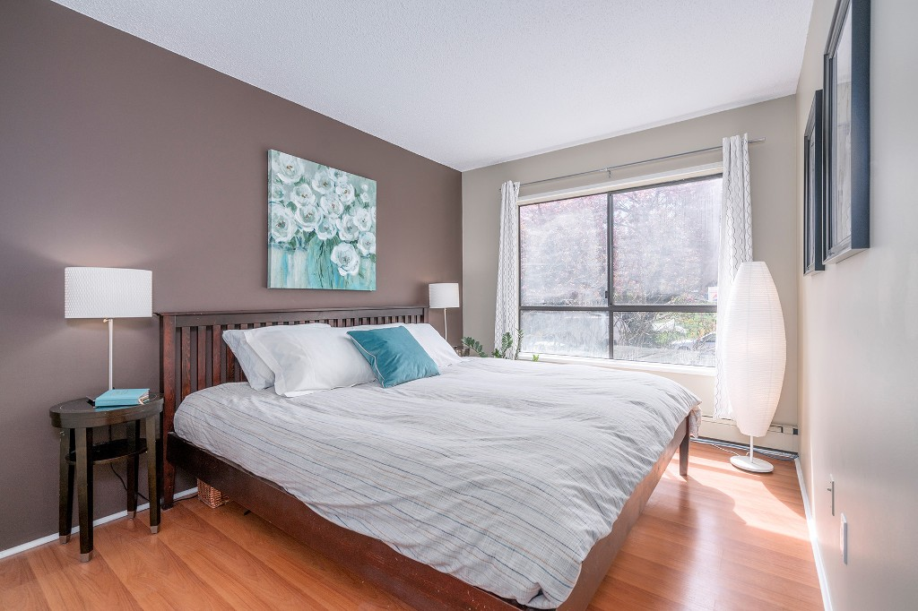 "Photo 13: Photos: 213 2150 BRUNSWICK Street in Vancouver: Mount Pleasant VE Condo for sale in ""MT PLEASANT PLACE"" (Vancouver East)  : MLS®# R2161817"