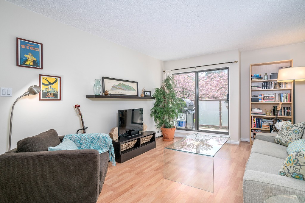 "Photo 2: Photos: 213 2150 BRUNSWICK Street in Vancouver: Mount Pleasant VE Condo for sale in ""MT PLEASANT PLACE"" (Vancouver East)  : MLS®# R2161817"
