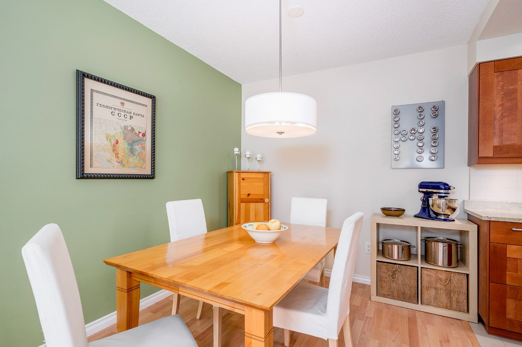 "Photo 10: Photos: 213 2150 BRUNSWICK Street in Vancouver: Mount Pleasant VE Condo for sale in ""MT PLEASANT PLACE"" (Vancouver East)  : MLS®# R2161817"