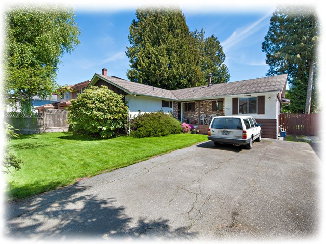 Main Photo: 6251 CHATSWORTH Road in Richmond: Granville House for sale : MLS(r) # R2162029