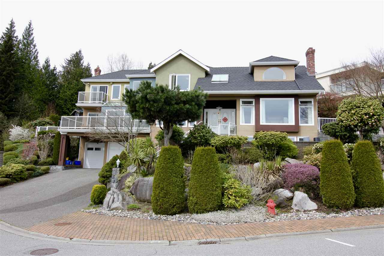 Main Photo: 2578 WESTHILL Close in West Vancouver: Westhill House for sale : MLS(r) # R2168088
