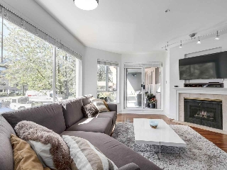 "Main Photo: 216 1869 SPYGLASS Place in Vancouver: False Creek Condo for sale in ""VENICE COURT"" (Vancouver West)  : MLS(r) # R2172338"