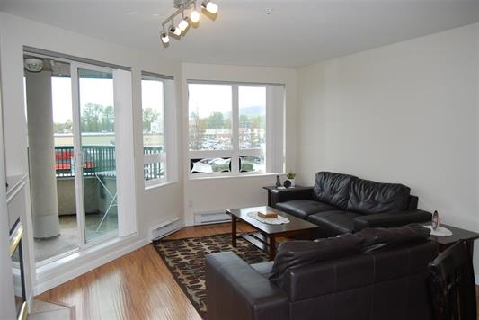 "Photo 2: A334 2099 LOUGHEED Highway in Port Coquitlam: Glenwood PQ Condo for sale in ""SHAUGHNESSY SQUARE"" : MLS(r) # R2173329"