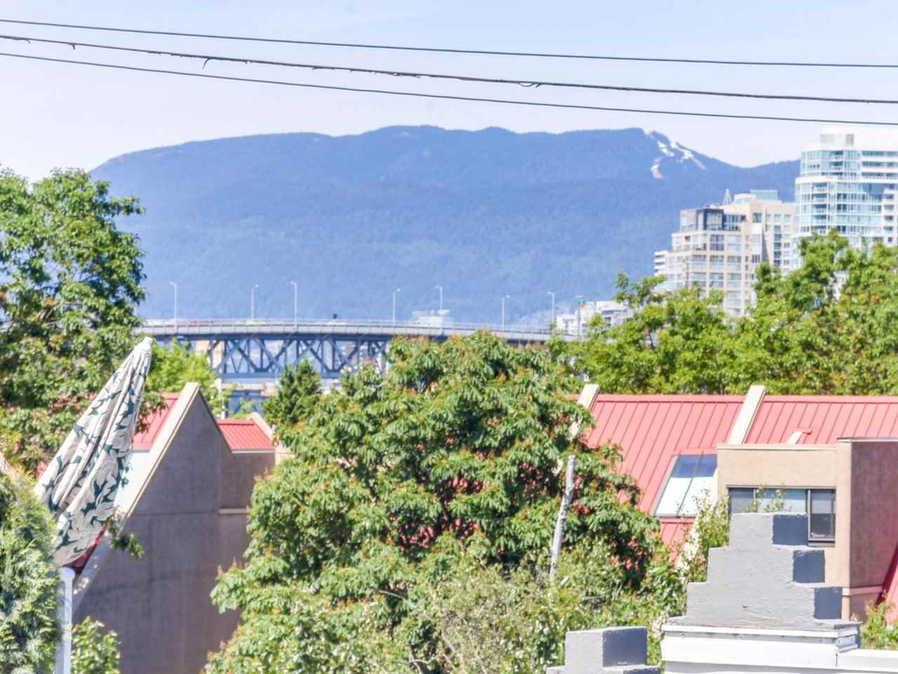 "Photo 4: 2247 OAK Street in Vancouver: Fairview VW Townhouse for sale in ""The Sixth Estates"" (Vancouver West)  : MLS(r) # R2175723"