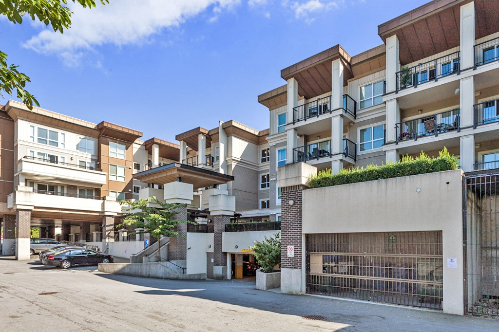 "Main Photo: 328 9655 KING GEORGE Boulevard in Surrey: Whalley Condo for sale in ""GRUV"" (North Surrey)  : MLS® # R2179198"