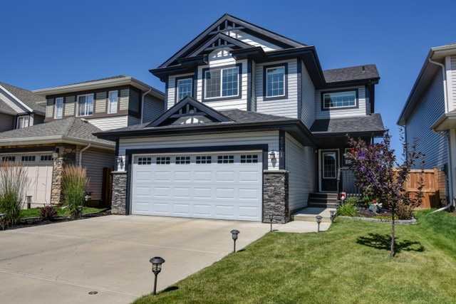 Main Photo: 3731 ALEXANDER Crescent in Edmonton: Zone 55 House for sale : MLS® # E4077125