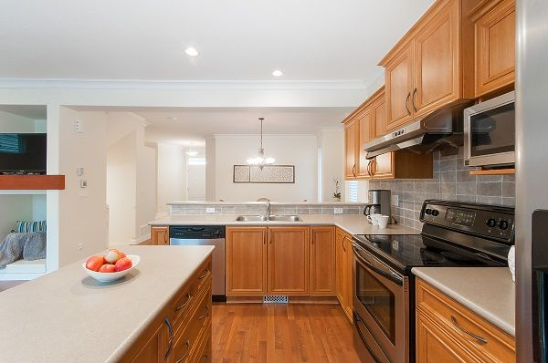 "Photo 7: Photos: 15148 61A Avenue in Surrey: Sullivan Station House for sale in ""Olivers Lane"" : MLS® # R2228810"