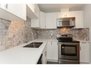 "Main Photo: 102 715 ROYAL Avenue in New Westminster: Uptown NW Condo for sale in ""VISTA ROYAL"" : MLS® # R2232936"