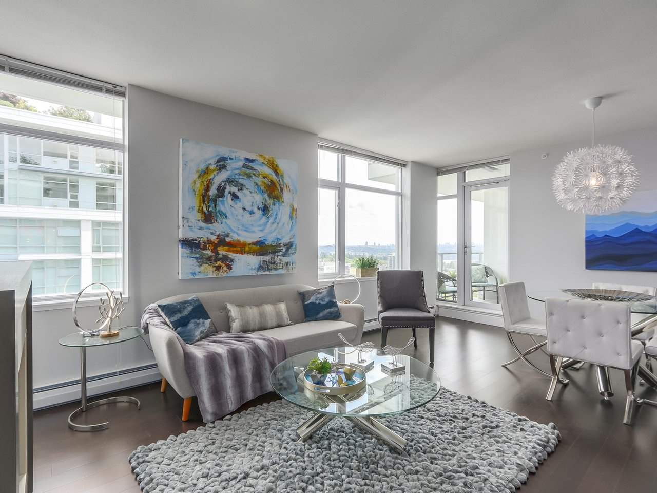 "Main Photo: 1706 1320 CHESTERFIELD Avenue in North Vancouver: Central Lonsdale Condo for sale in ""Vista Place"" : MLS®# R2278529"