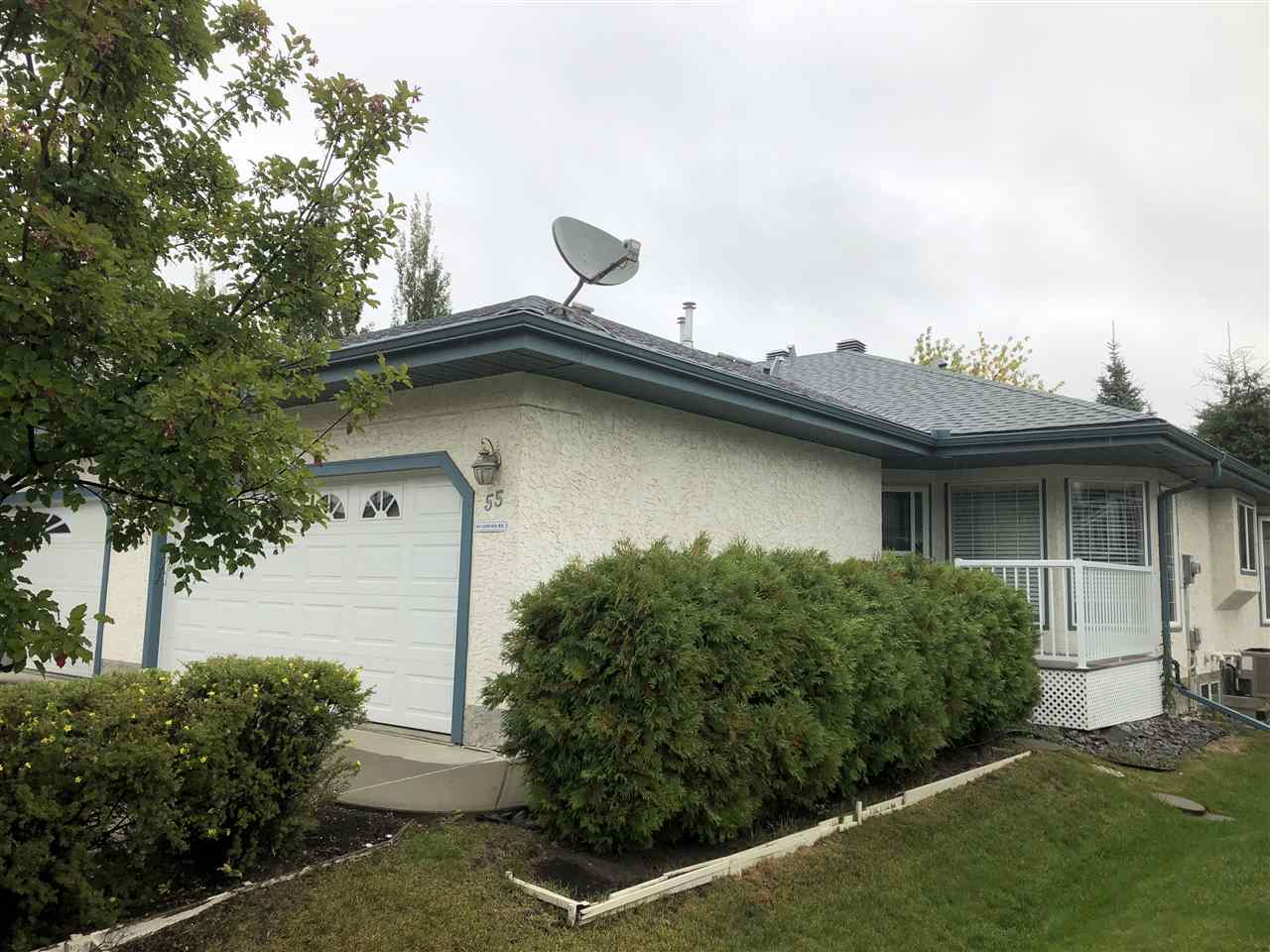Main Photo: 55 85 GERVAIS Road: St. Albert House Half Duplex for sale : MLS®# E4128593