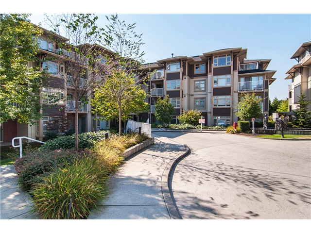 Main Photo: 205 7339 MACPHERSON Avenue in Burnaby: Metrotown Condo for sale (Burnaby South)  : MLS(r) # V1041731
