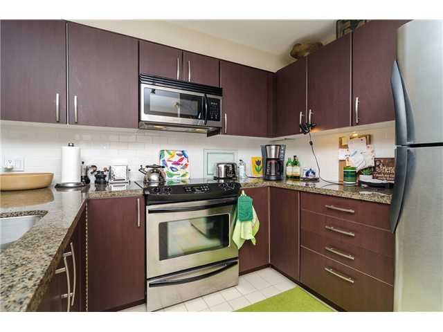 Photo 3: 205 7339 MACPHERSON Avenue in Burnaby: Metrotown Condo for sale (Burnaby South)  : MLS(r) # V1041731