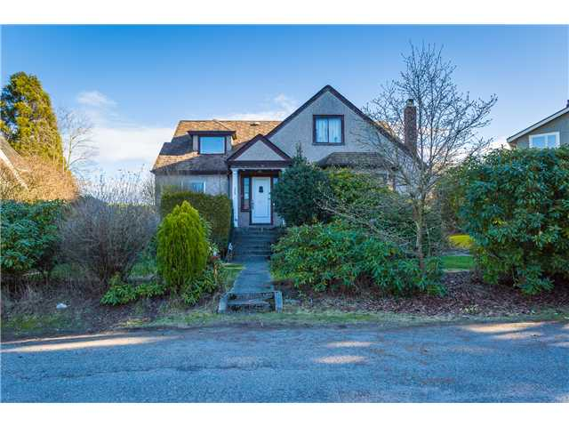"Photo 8: 1966 SASAMAT Place in Vancouver: Point Grey House for sale in ""POINT GREY"" (Vancouver West)  : MLS(r) # V1053175"