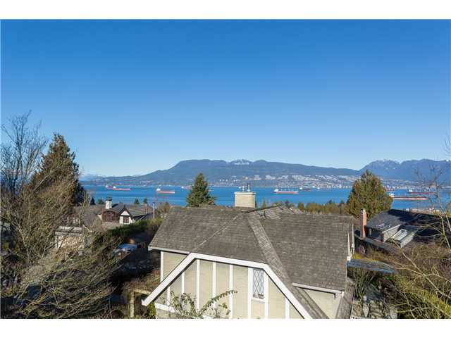 "Photo 5: 1966 SASAMAT Place in Vancouver: Point Grey House for sale in ""POINT GREY"" (Vancouver West)  : MLS(r) # V1053175"