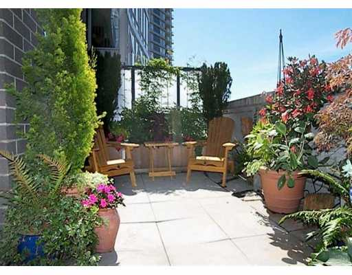 "Main Photo: 506 455 BEACH CR in Vancouver: False Creek North Condo for sale in ""PARKWEST I"" (Vancouver West)  : MLS® # V609308"