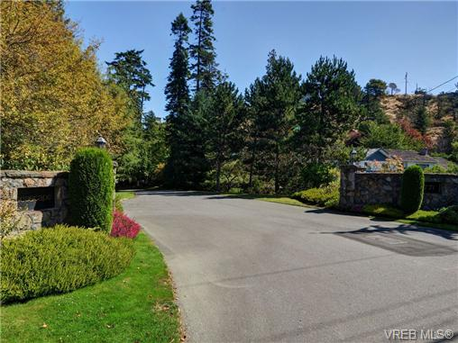 Main Photo: 1 4771 Cordova Bay Road in VICTORIA: SE Cordova Bay Townhouse for sale (Saanich East)  : MLS® # 355296