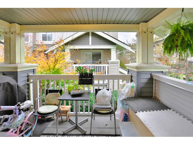 "Main Photo: 37 7488 SOUTHWYNDE Avenue in Burnaby: South Slope Townhouse for sale in ""LEDGESTONE 1"" (Burnaby South)  : MLS®# R2017217"