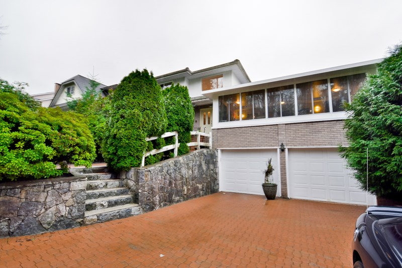 Main Photo: 8160 LAKEFIELD Drive in Burnaby: Burnaby Lake House for sale (Burnaby South)  : MLS® # R2030047