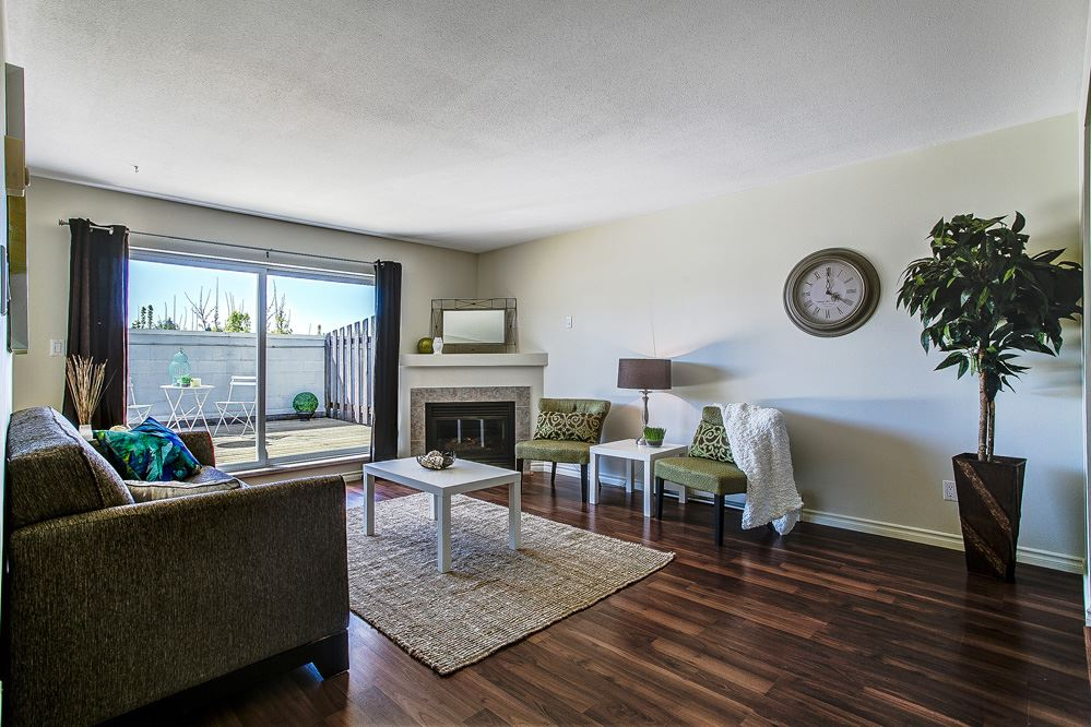 Photo 3: 202 22347 LOUGHEED Highway in Maple Ridge: West Central Condo for sale : MLS(r) # R2055111