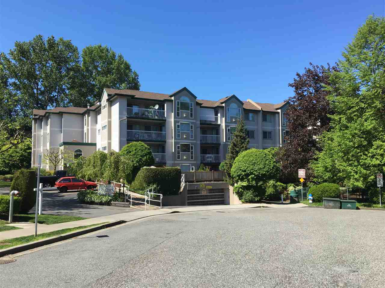 "Main Photo: 204 2963 NELSON Place in Abbotsford: Central Abbotsford Condo for sale in ""Bramblewoods"" : MLS(r) # R2059886"