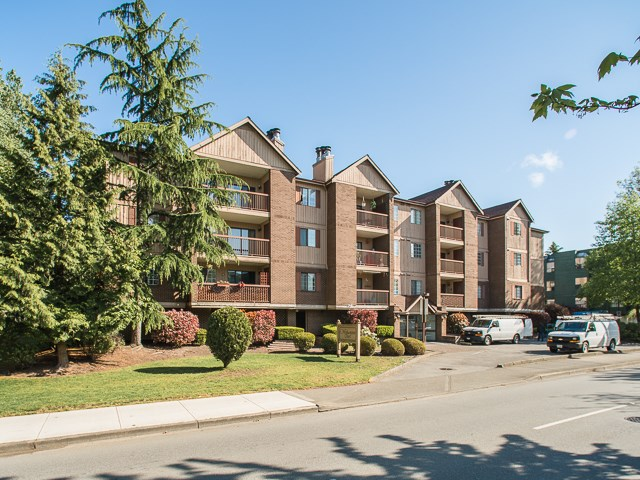 "Photo 1: 203 8511 WESTMINSTER Highway in Richmond: Brighouse Condo for sale in ""WESTHAMPTON COURT"" : MLS® # R2062242"